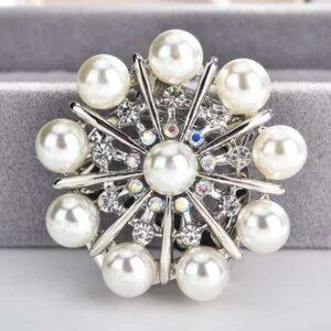 brosa de dama cu perle si cristale