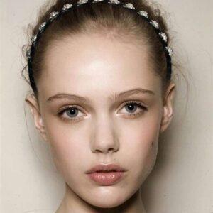 cordeluta de par cu cristale Jolie