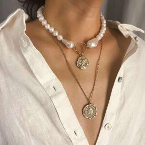 coliere suprapuse cu perle baroc