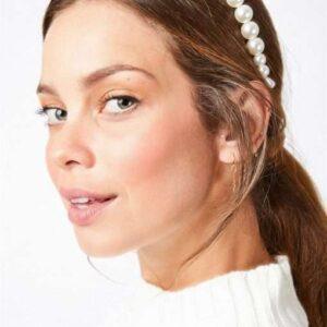 cordeluta din perle albe