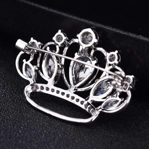 brosa coroana Adrienne