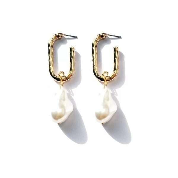 cercei cu perle supradimensionate aurii