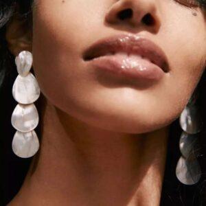 cercei lungi cu perle sidef