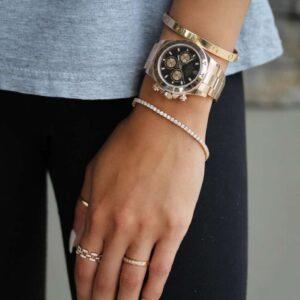 bratara tennis asortata la un ceas de designer