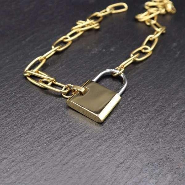 colier cu pandantiv lacat placat cu aur 18K