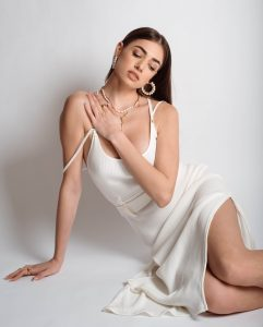 all white perle